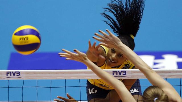 Brasil bate o Cazaquistão se classifica no Mundial feminino de vôlei