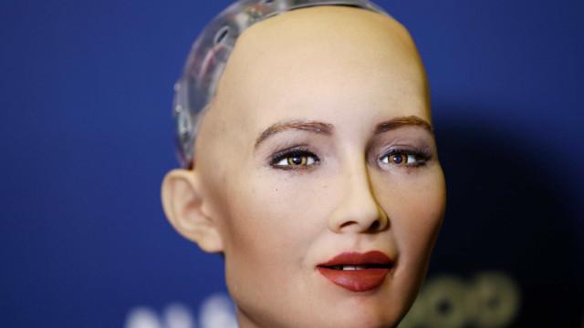 Robô mais avançada do mundo, Sophia vem ao Brasil