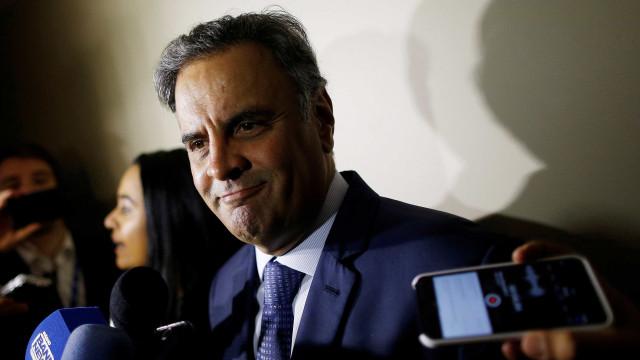 Doria é derrotado e PSDB rejeita pedidos de expulsão de Aécio