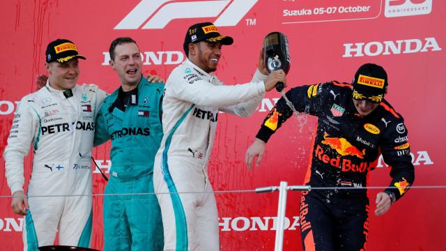 Hamilton vence GP do Japão e pode ser campeão nos EUA