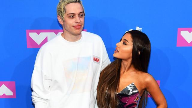 Pete Davidson ainda tem esperança de retomar noivado com Ariana Grande
