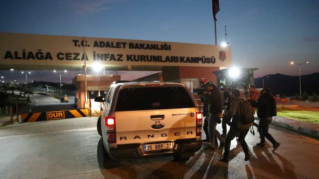 Após pressão, Turquia liberta pastor norte-americano