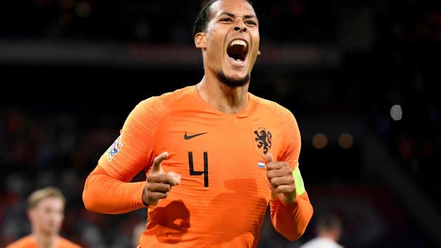 Holanda faz 3 a 0 em casa e Alemanha segue sem vencer
