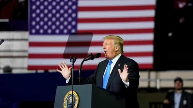 Trump é acusado de racismo por vídeo contra migrantes