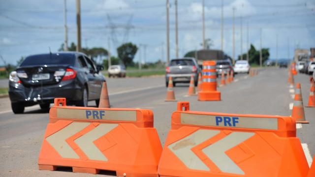 Polícia soma 74 mortes nas estradas e 243 acidentes graves no feriado