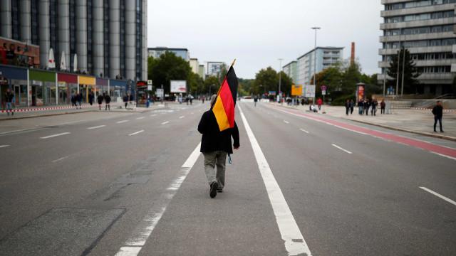 Vítimas de crimes de ódio na Alemanha mudam hábitos e planejam partida