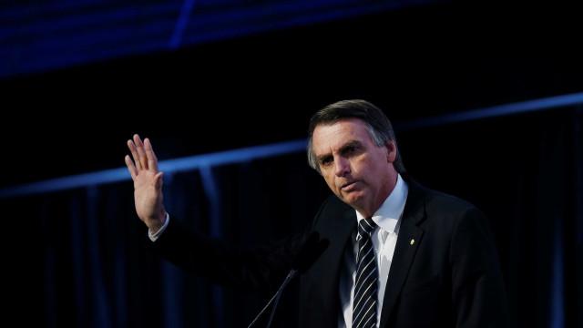Bolsonaro cita procurador a favor do Escola Sem Partido para a Educação