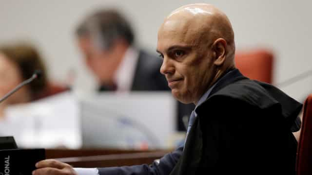 Moraes mantém inquérito sobre suposta interferência na PF