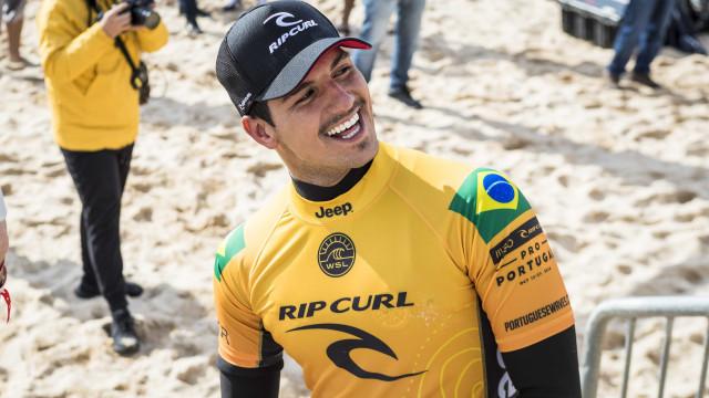 Medina pode ser tricampeão mundial de surfe na etapa de Portugal