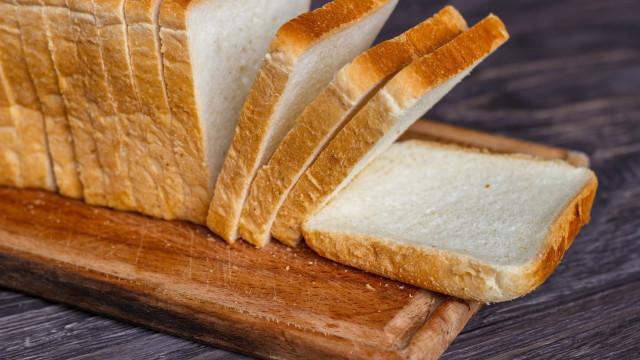 Aprenda a fazer pão de forma tradicional, mais barato e saudável