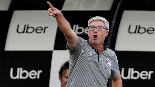Odair conquista torcida e interrompe sina de troca de técnicos do Inter