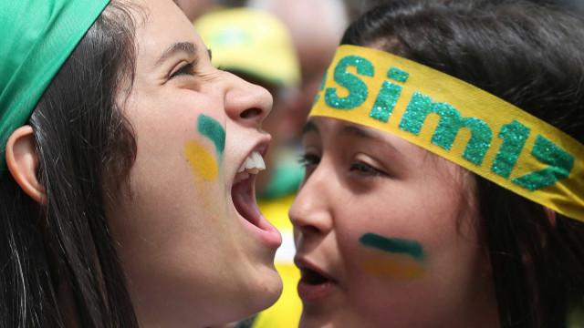 Em SP, ato pró-Bolsonaro tem pixuleko e cartaz com fala de Cid Gomes