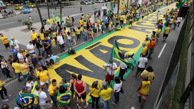 No Rio, movimentos anticorrupção relevam denúncia de campanha ilegal