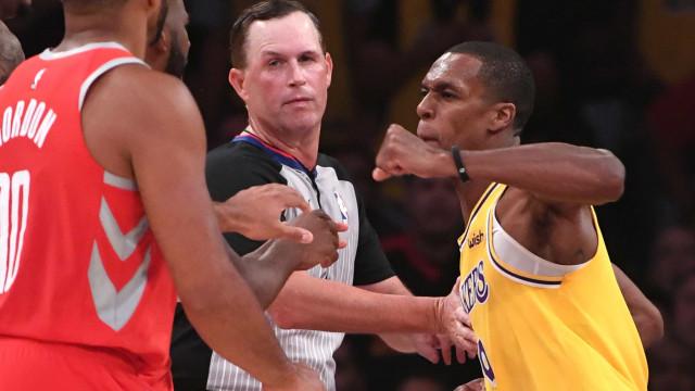 NBA suspende atletas por briga no jogo entre Lakers e Rockets