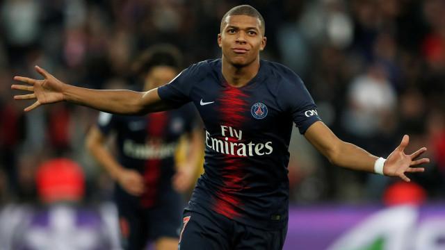 Sem Neymar, Mbappé brilha e comanda vitória tranquila do PSG sobre o Nice