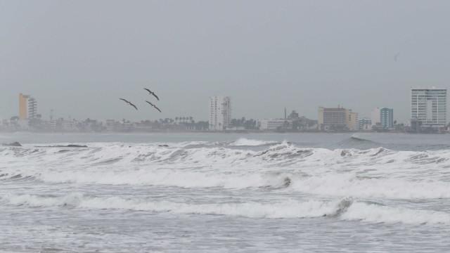 Furacão Willa segue passagem pelo México com ventos de 195 Km/h