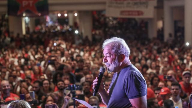 Petistas organizam réveillon 'com Lula' ao lado da PF em Curitiba