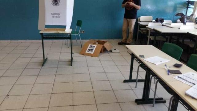 Escola em SP tem urnas destruídas por vândalos: 'Vão para o inferno'