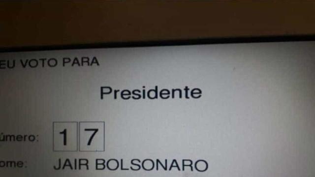 Eleitor é preso após postar foto do voto no Facebook