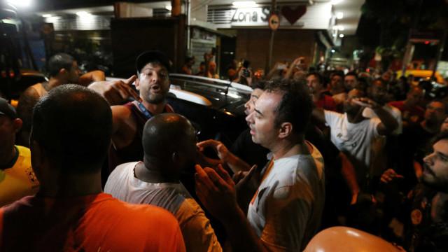 Eleitores de Bolsonaro e Haddad entram em confronto no Rio