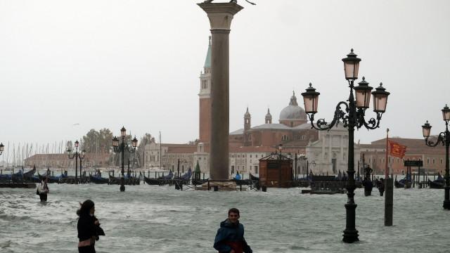 Tempestade deixa três mortos e causa estragos na Itália