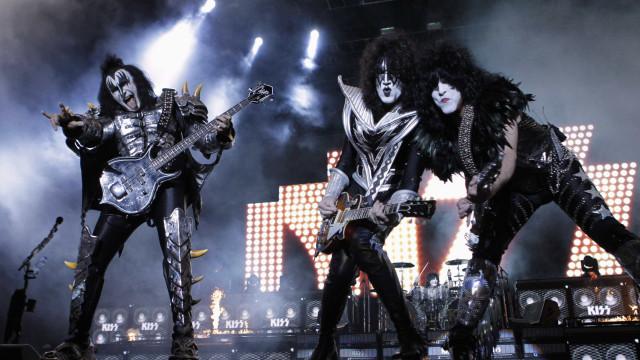 Kiss remarca shows no Brasil para novembro por causa do coronavírus