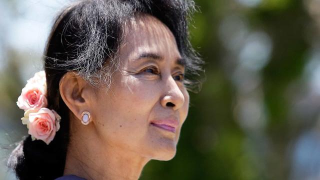 Líder deposta pelo golpe faz 1ª aparição após recorde de mortes em Mianmar