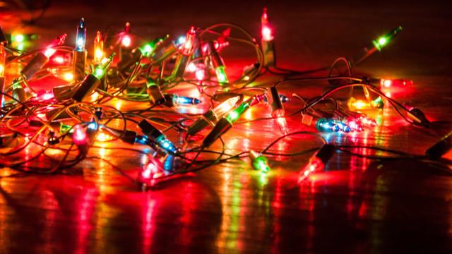 8 dicas para fazer a decoração de Natal com economia e segurança