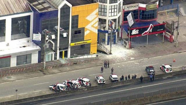 Quadrilha explode três agências bancárias na Grande São Paulo