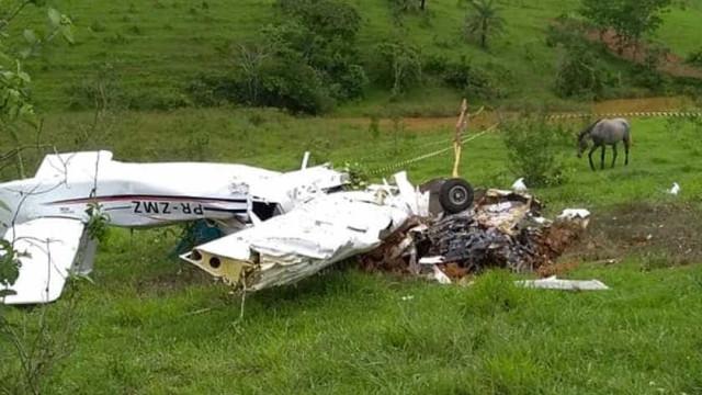 Queda de avião em Minas Gerais deixa quatro mortos
