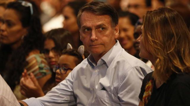 Bolsonaro desembarca no DF hoje e é esperado em sessão no Congresso