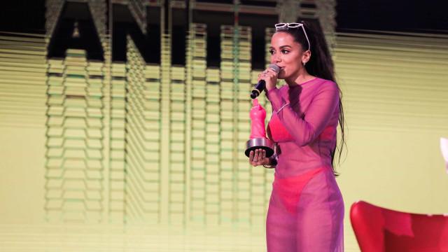 Anitta chora e emociona a plateia ao revelar drama familiar na TV