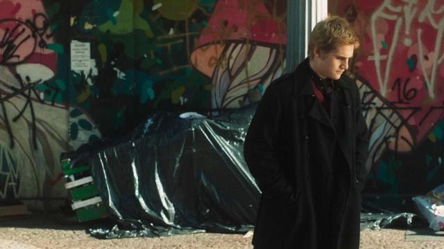 Nicolas Prattes diz que chegou a desmaiar no set de filme de terror