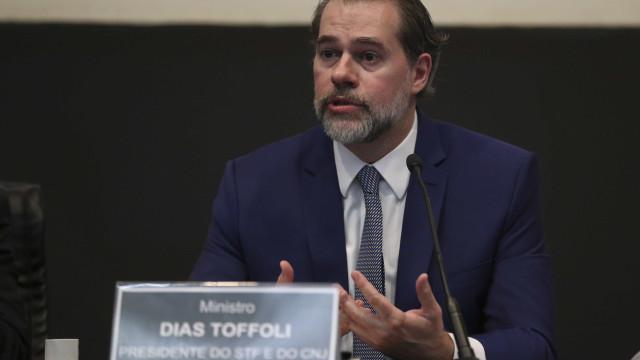 Toffoli determina suspensão de investigação contra Flávio Bolsonaro