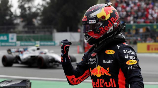 Max Verstappen fecha sexta-feira 'caótica' como o mais rápido na Turquia