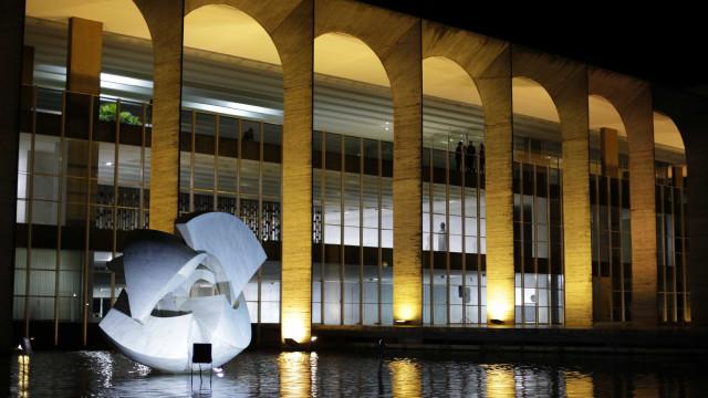 Bolsonaro abre chefias do Itamaraty a não diplomatas