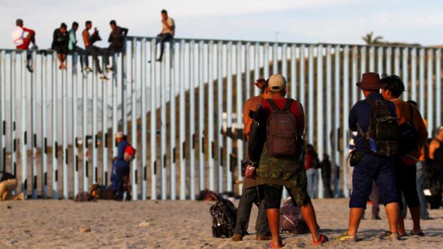 Detenções na fronteira dos EUA com o México alcançam maior marca da história