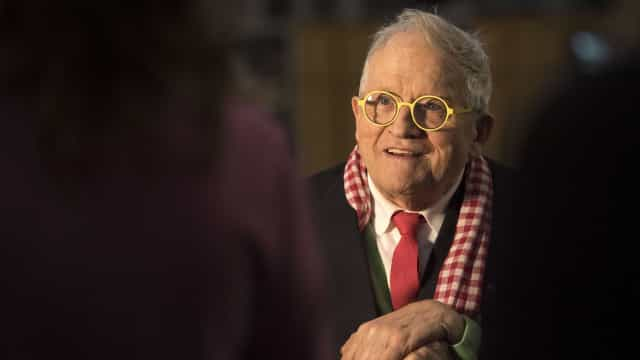 Quem é David Hockney, o artista vivo mais valioso do mundo?