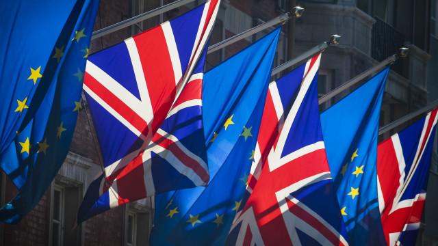 União Europeia decide hoje se aprova adiar o Brexit