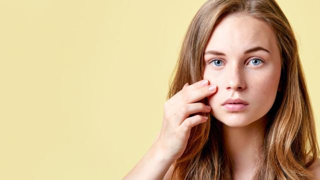 Passo a passo: Como fazer uma máscara de ovo para a acne