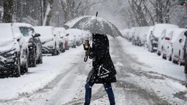 Tempestade de neve em Nova York deixa mortos e 400 mil sem energia