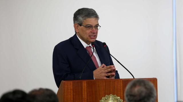 Secretário-geral do PSDB propõe união com outras siglas