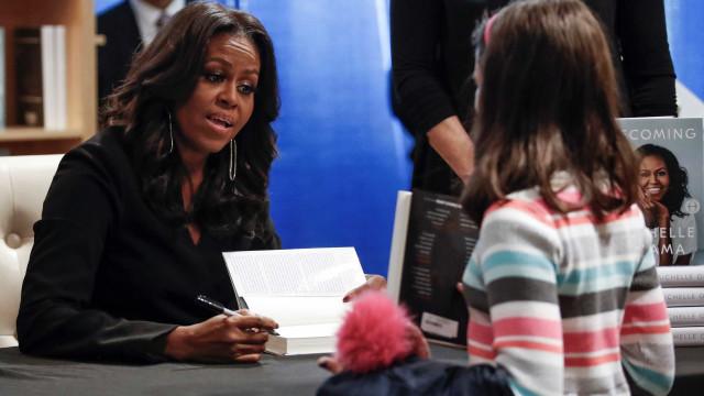 Michelle Obama se consolida como celebridade com lançamento de livro