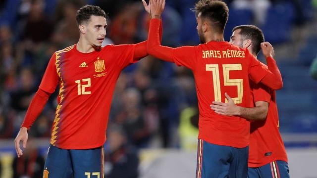Espanha bate a Bósnia com gol do estreante Brais Méndez