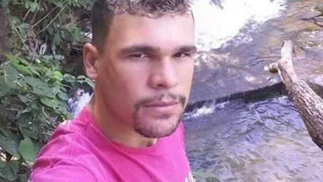 Ex-jogador de futebol é morto a tiros em MS; suspeito está foragido