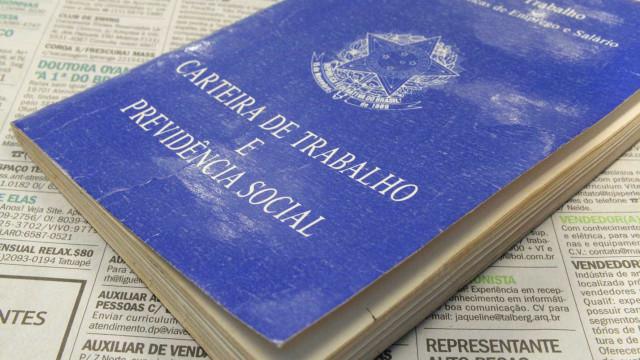 IBGE: Em julho, faltou trabalho para 32,892 milhões de pessoas