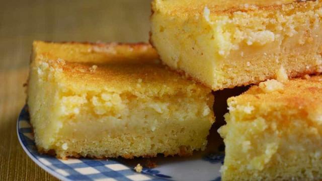 Aprenda a fazer um delicioso bolo cremoso de fubá