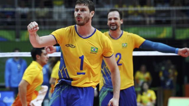 De virada, Brasil derrota o Irã e soma cinco vitórias no Japão