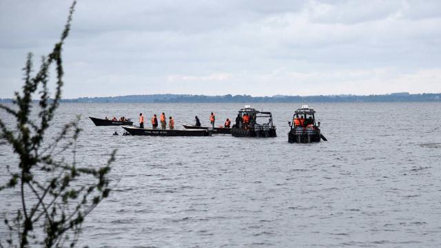 Naufrágio no Lago Vitória, em Uganda, deixa ao menos 30 turistas mortos