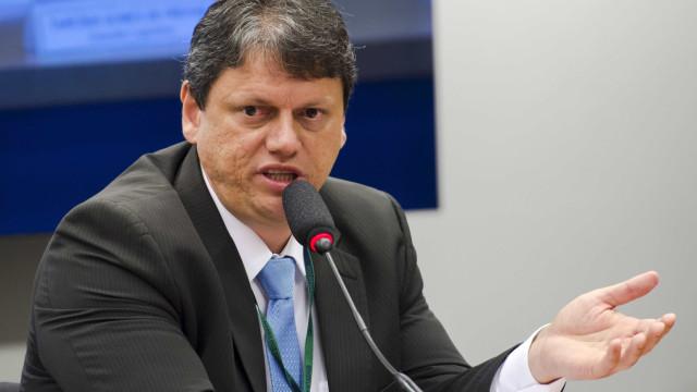 Ministro não vê pontos negativos da PEC do Orçamento na Infraestrutura